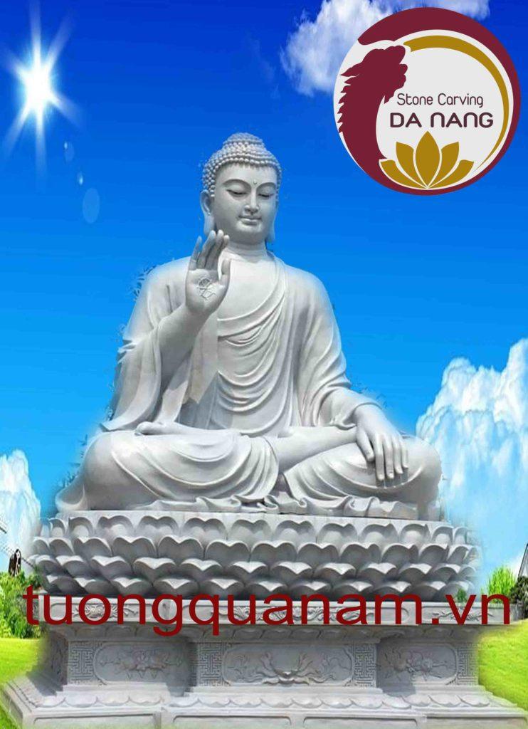 Phật Thích Ca bằng đá